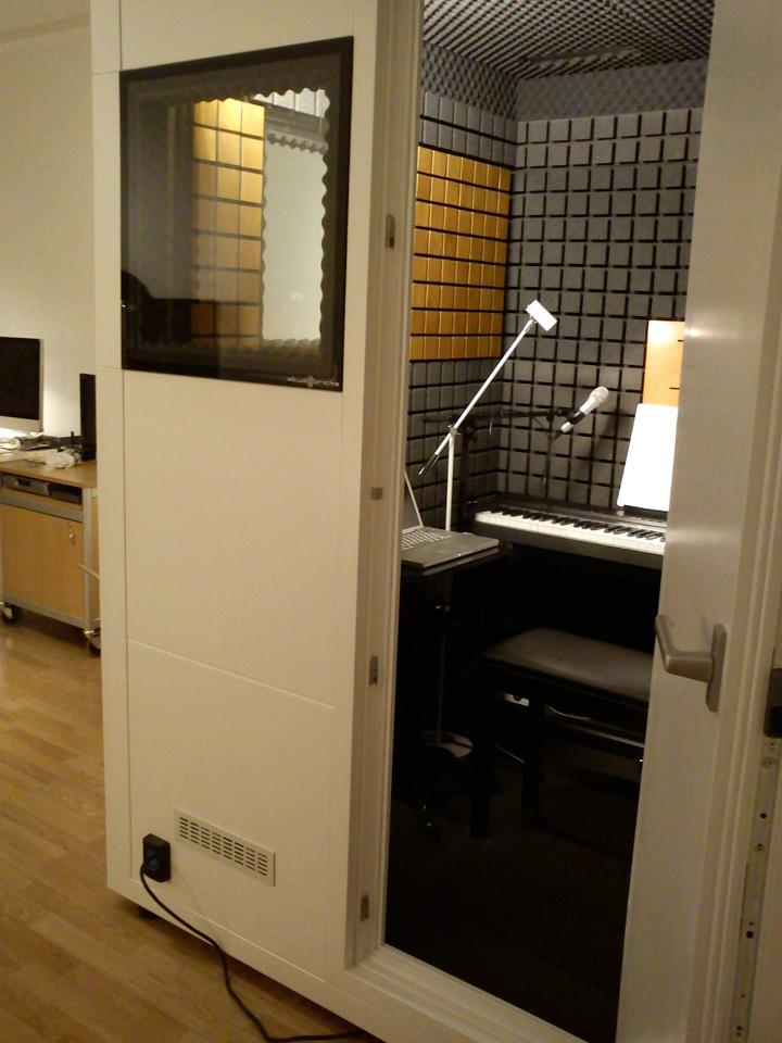 StudioBricks SoundBooth